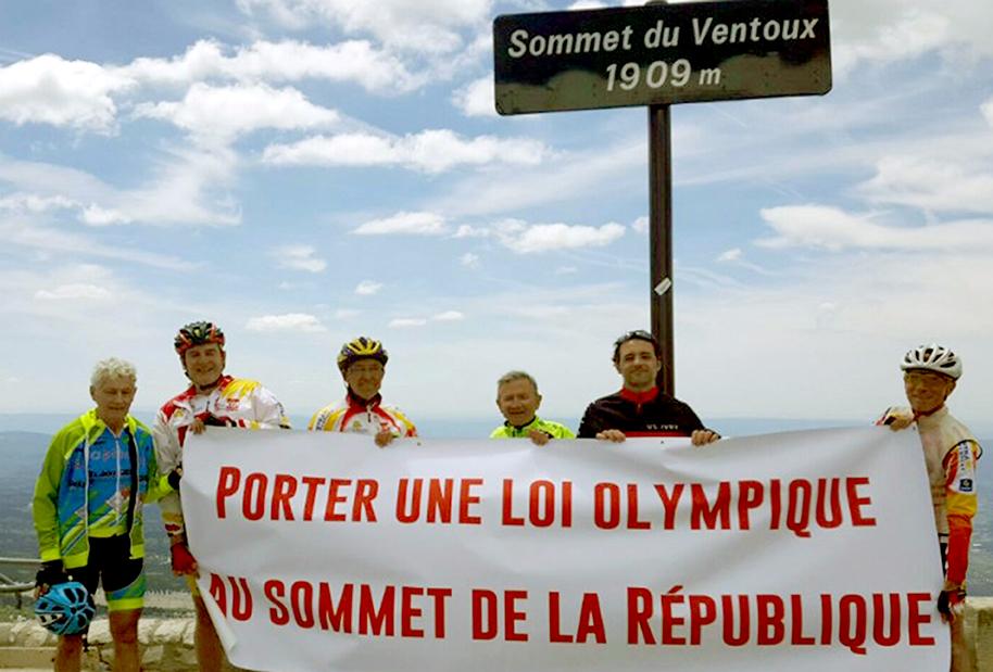 Au sommet du mont Ventoux, pour l'amour du sport