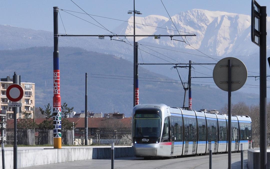 Un rassemblement pour la gratuité des transports à Grenoble