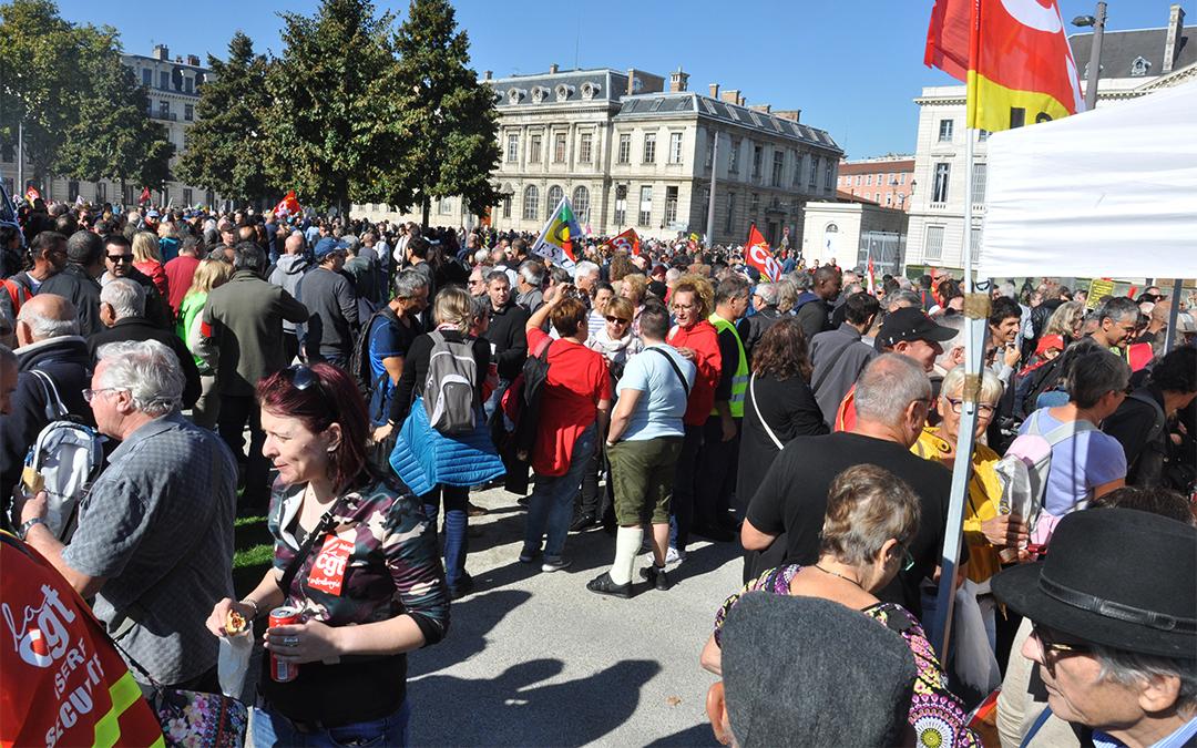 Plus de trois mille cinq cents manifestants à Grenoble