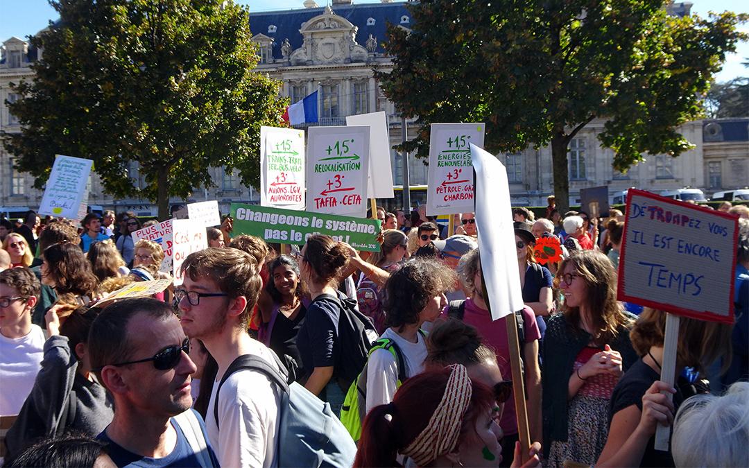 A Grenoble, dix mille pour le climat
