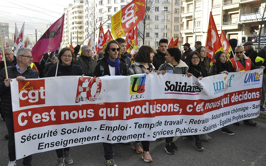 5 février, 5000 à Grenoble