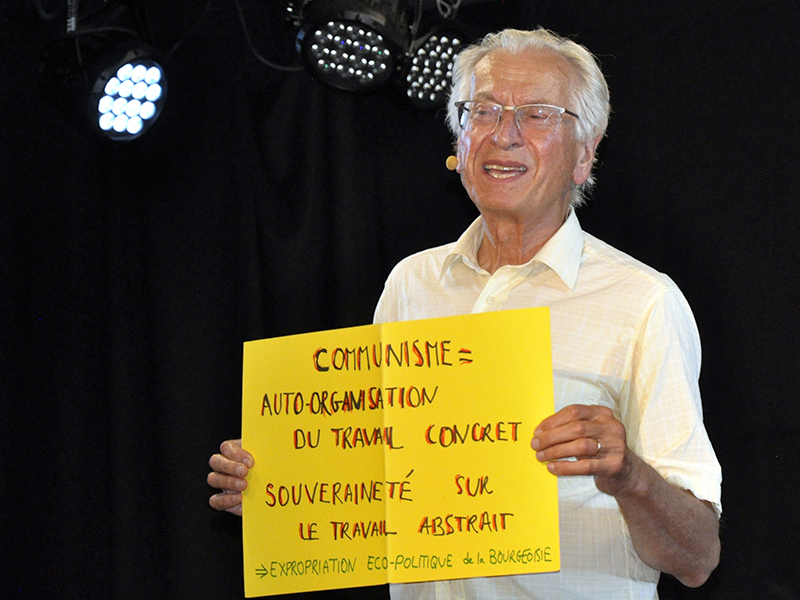 Retraite, salaire et communisme : Bernard Friot, conférencier gesticuleur