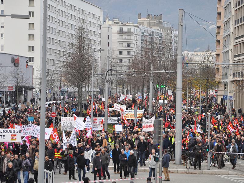 Plus de 30 000 à Grenoble