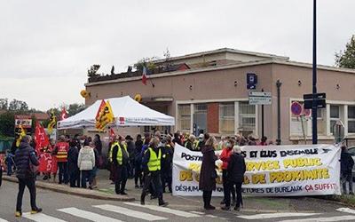 Mobilisation contre la fermeture du bureau de poste de Brignoud