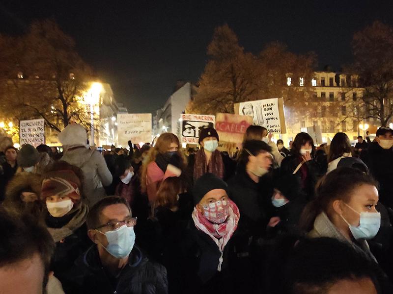 Justice sociale, hôpital, libertés…1500 manifestants en colère