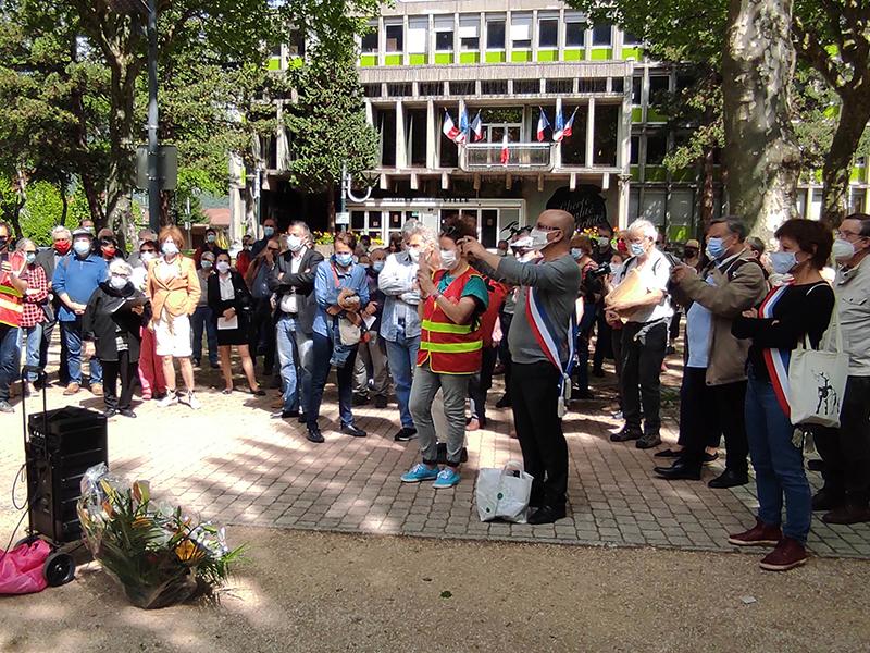 L'autre 8 mai 45, hommage aux victimes des massacres en Algérie