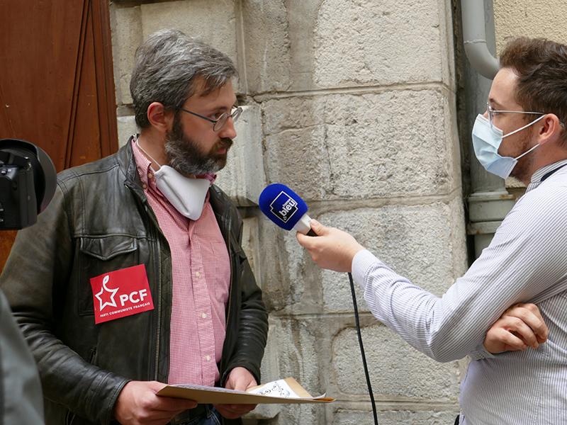 Les communistes interpellent la députée macronniste grenobloise